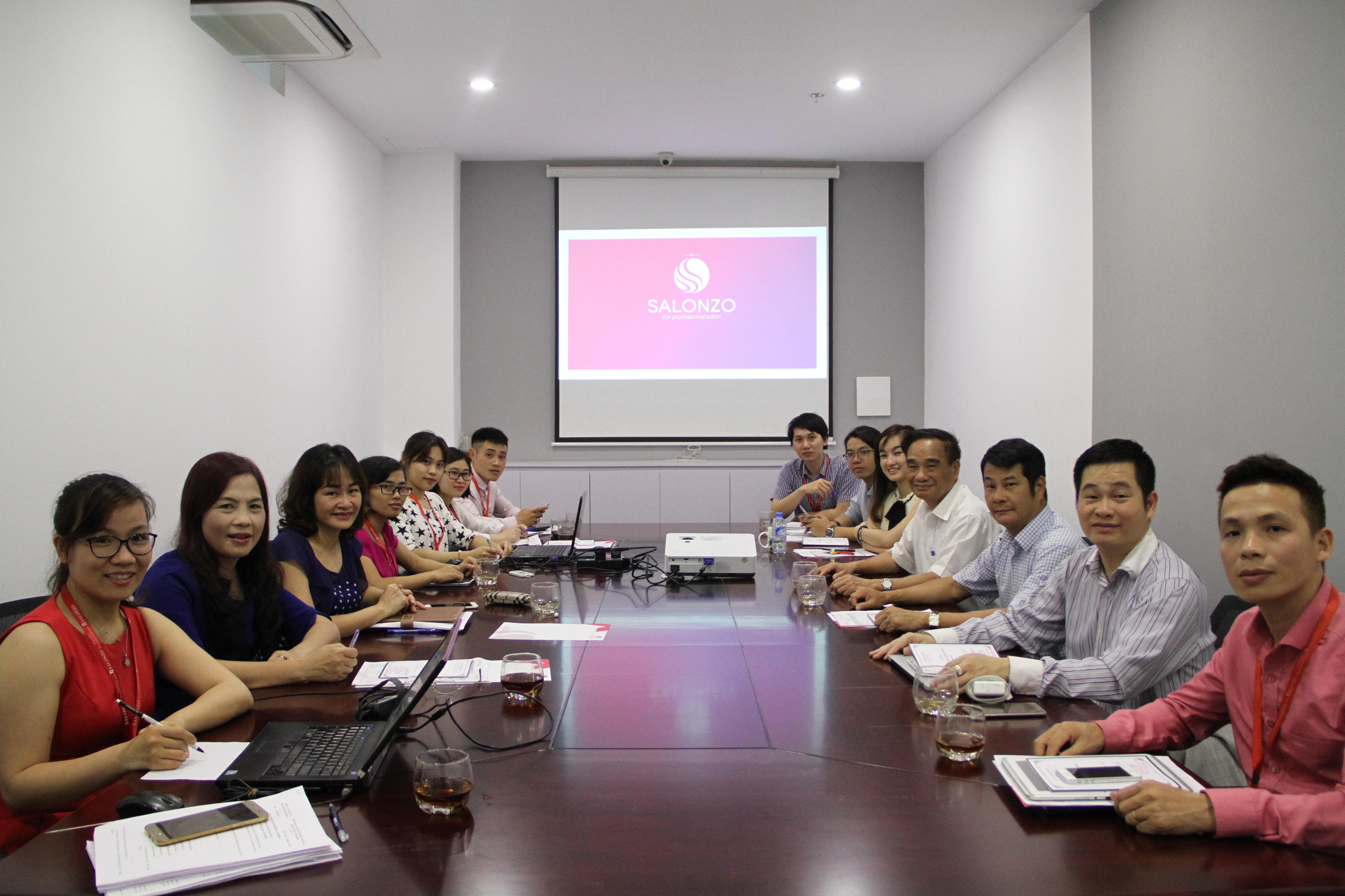 Họp đại hội đồng cổ đông Công ty cổ phần Mỹ phẩm Salonzo lần thứ nhất
