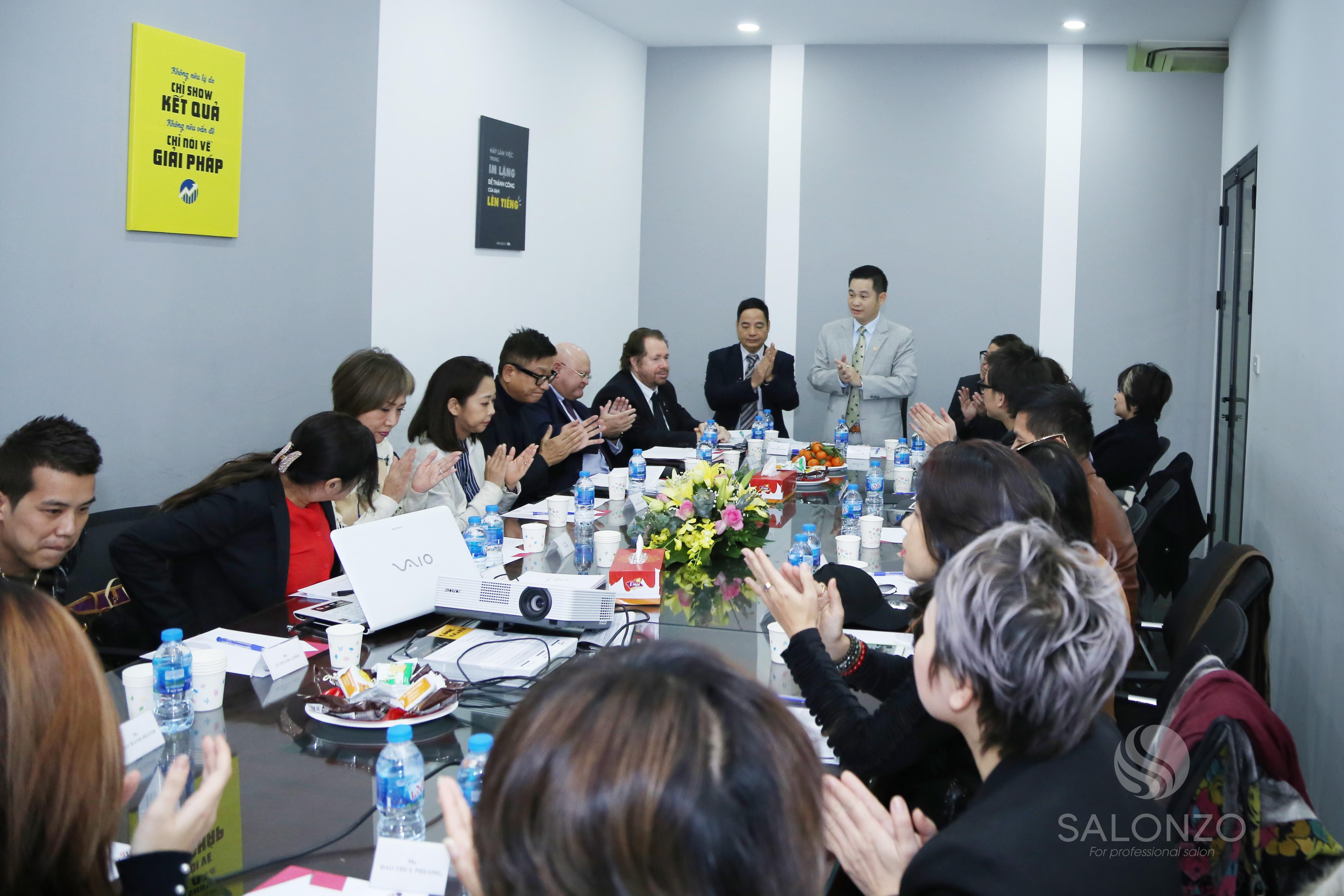 Cuộc Họp Thượng Đỉnh Giữa Hiệp Hội Tóc Quốc Tế ICD Và Các Nhà Tạo Mẫu Hàng Đầu Việt Nam